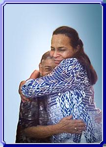 Abrazo Sentido Con Mi Madre